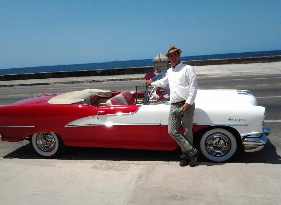 Tour in Havana by vintage american cars