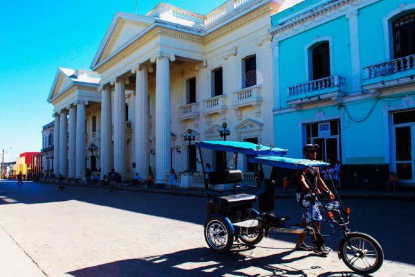 Destination Santa Clara, Cuba